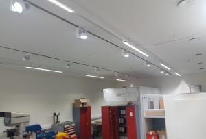 In den Labor-Räumen der suki.international GmbH wurden Pandia Laliniaris-Leuchten installiert
