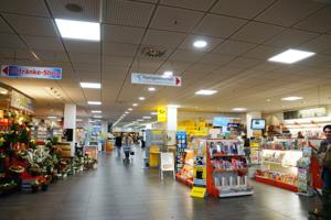 Hit Einkaufscenter in Andernach - Tausch der alten Röhren gegen moderne LED Panels