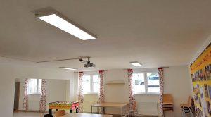 Das Bürogebäude der DHL Freight GmbH wurde mit LED-Panels ausgestattet - hier der Aufenthaltsraum.
