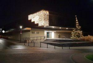 Weihnachtsbeleuchtung am Rathaus Plaidt - Fertig!