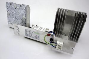 Im Bild: Plato-Modul mit LED, Kühlkörper und Netzteil