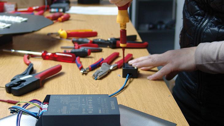 Alle Pandia Plato LED Umrüstsätze werden von Hand montiert.